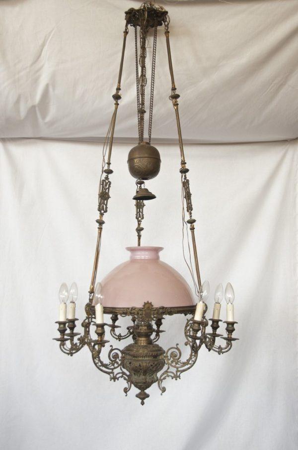 Art. LL13 - Antico lampadario saliscendi in bronzo e opalina rosa. Stile e periodo Eclettico, Firenze 1860/70