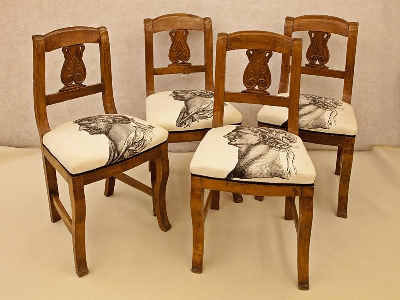 Art.SE.2 - Quattro sedie neoclassiche in legno di noce, Toscana inizi 800, da restaurare.