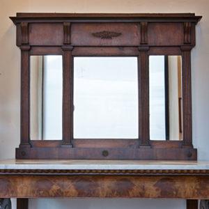 Art.SP.6 - Caminiera Impero/Restaurazione a 3 luci, specchi al mercurio originali; legno di noce in patina originale. Misure: 128 x 98 cm.