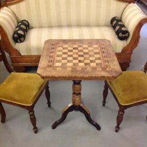 Art.TDG.5 - Tavolino scacchiera,Rolo,metà 800,in legno di noce chiaro,noce scuro,acero,palissandro e ciliegio.
