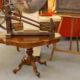 Art.TSA.1 - Tavolo a chitarra Luigi Filippo, Francia 1840/50, legno di noce, due cassetti, piedi poggianti su rotelle. Misure: 115 x 68 x h 69 cm.