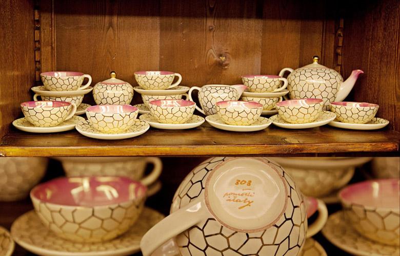 """Art.VEC.9 - Servito da tè ceramica """"Rometti Umbertide"""", anni '50. Completo da 12 con teiera, lattiera e zuccheriera. Condizioni perfette."""