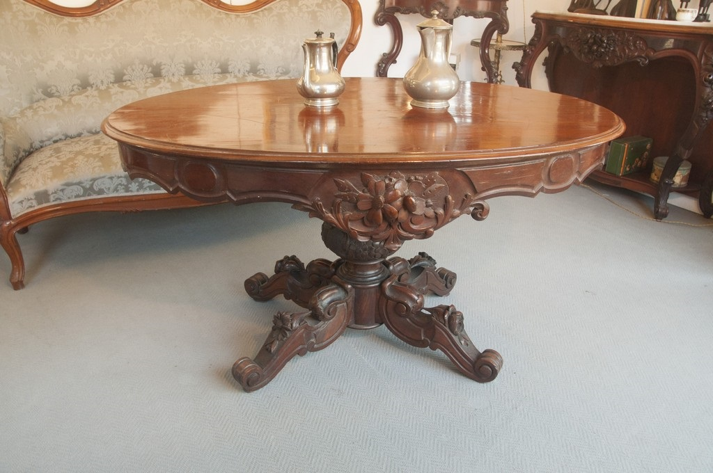 Art. TP18 - Tavolo da centro di epoca e stile Luigi Filippo. Legno di Mogano, Napoli 1860/70