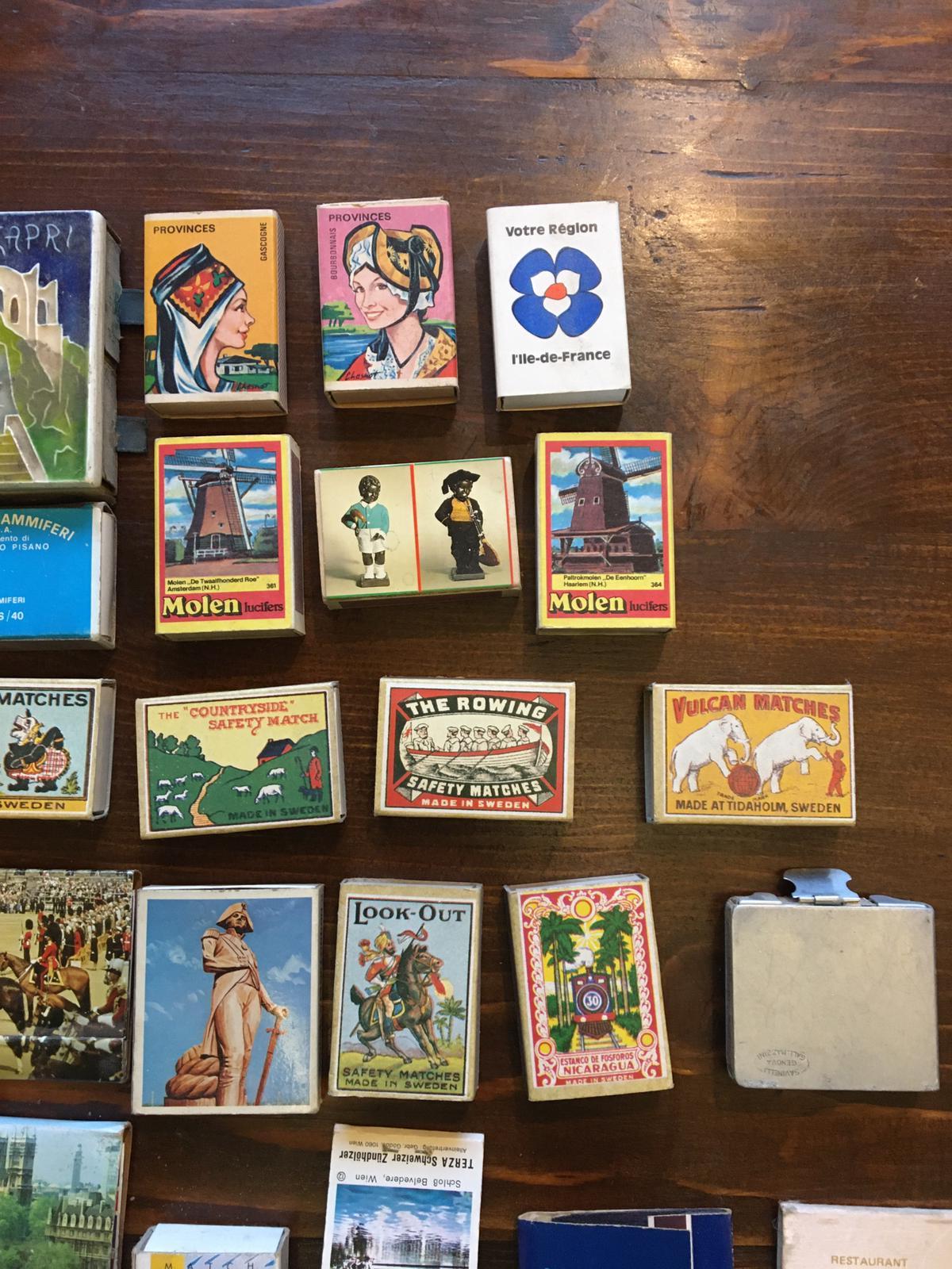 Collezionista Di Scatole Fiammiferi art. col 550 - piccola collezione di fiammiferi svedesi composta da 51  scatole. anni 50/60/70